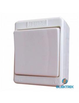 Legrand 83906 Kontállux IP44 fehér váltókapcsoló